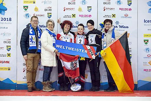 Zielwettbewerb Damen - Gold an Österreich. Mit insgesamt 698 Punkten holte sich die Österreicherin Simone Steiner Gold. Dies ist bereits ihre 4 Medaille bei der Eisstock WM 2018 in Amstetten-Winklarn.