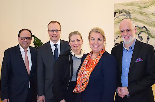 Gesundheitsministerin Beate Hartinger-Klein hat die SpitzenvertreterInnen der Ärztekammer, der Apothekerkammer, des Hauptverbandes und der Patientenanwälte zu einem Gespräch über die Verbesserung der Wartezeitensituation in den Ordinationen geladen.