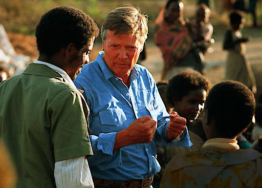 Karlheinz Böhm zu Beginn der Arbeit von Menschen für Menschen in Äthiopien.