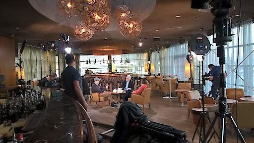 Aufzeichnung der ORF 2 Sendung les.art in der SKY Bar