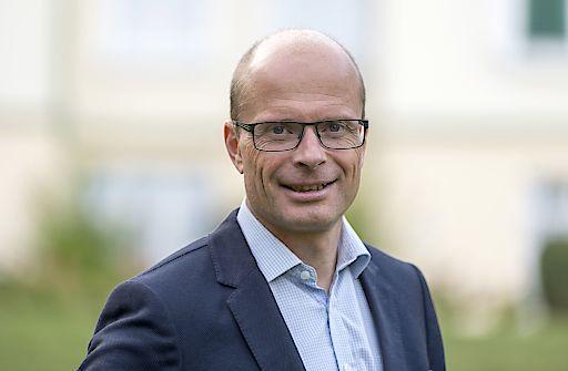 Gerald Prinzhorn, Geschäftsführer der Austrotherm Gruppe freut sich über das starke Geschäftsjahr 2017.