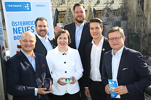 https://www.apa-fotoservice.at/galerie/12935 Im Bild v.l.n.r.: Walter H. Lukner (Geschäftsführer PAYBACK Austria), Mag. Alexander Pietsch (Geschäftsführer NORDSEE Österreich), Gerlinde Hofer (Head of Country, BP Europa SE/ZN BP Austria), Harald Bauer (Geschäftsführer dm drogerie markt Österreich), Jan Küster (Marketingleiter Burger King Österreich), Hermann Aigner (Geschäftsführer Fressnapf Austria)