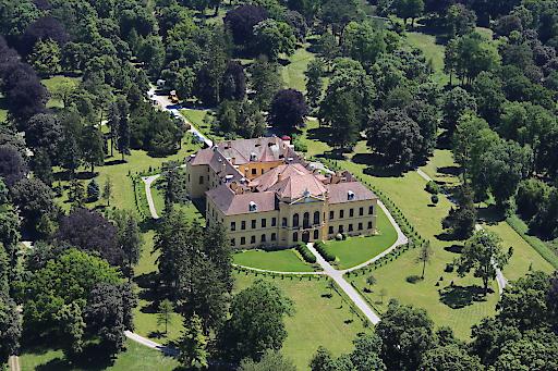 Das Schloss Eckartsau - ein beliebtes Ausflugsziel im Nationalpark Donau-Auen