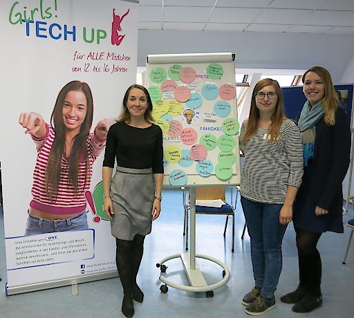 """femOVE-Vorsitzende Michaela Leonhardt, Ph.D. (l.) stellte im Rahmen des Wiener Töchtertags u. a. die Initiative """"Girls! TECH UP"""" vor"""