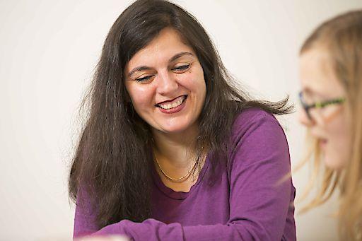 """Sepid Sarmad-Tucci, SOS-Kinderdorf-Mutter: """"Ich wusste sofort, SOS-Kinderdorf-Mutter zu werden ist das Richtige für mich. Den Kindern Halt zu geben gibt unglaublich viel Kraft."""""""