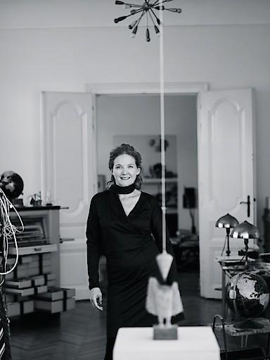 Porträt der Künstlerin Nives Widauer