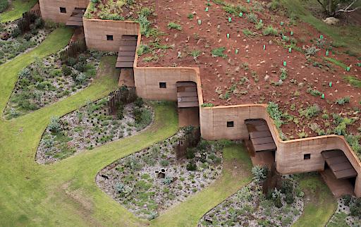 Luigi Roselli Architects: The Great Wall of WA