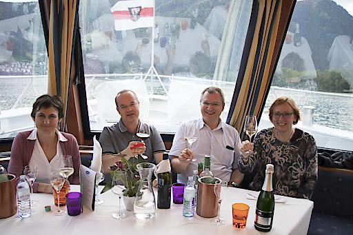 """Als Wort bedeutet """"Symposium"""" ja eigentlich """"Gastmahl"""". Und zumindest der 7. Juni ist so auch ausgeklungen – mit einem Dinner auf der """"MS Schmittenhöhe"""" mitten auf dem Zeller See."""