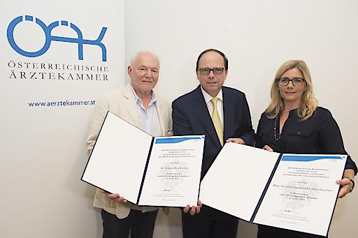 Von links: Dr. Robert Buchacher, o.a. Univ.-Prof. Dr. Thomas Szekeres, Mag. Kristina Schmidt-Labenbacher.