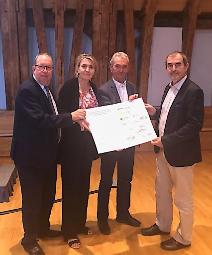 Beim Vienna Forum on the European Energy Transition überreichten heute europäische Vertreter erneuerbarer Energien Josef Plank, dem Generalsekretär des BMNT, die Vienna Declaration.