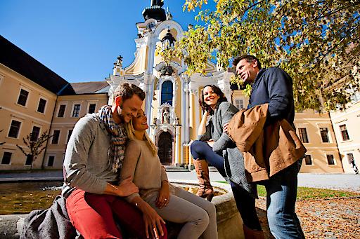 """Bei """"Gast im Kloster"""" am klösterlichen Lebensrhythmus bei Tagesbesuchen oder Nächtigungsangeboten teilnehmen: www.kloesterreich.com."""