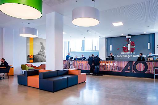 Lobby des 2017 eröffneten a&o Hostels in Kopenhagen