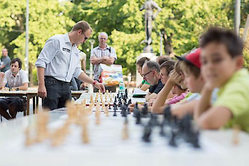 Österreichs bester Schachspieler Markus Ragger (links) im Einsatz.