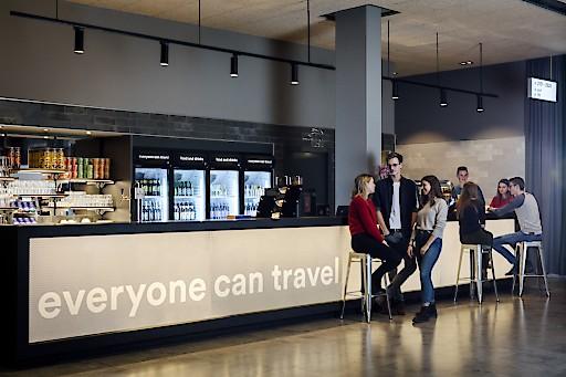 """a&o ermöglicht Reisen auch für ganz kleine Geldbörsen. Ganz nach dem Motto """"Everyone can travel""""."""