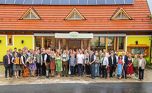 Ulli und Hermann Retter eröffnen mit Gästen, Partnern und Freunden am 31. August 2018 ihr BioGut direkt neben dem Hotel Retter in Pöllauberg
