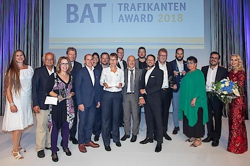 Bereits zum achten Mal in Folge wurde der begehrte Trafikanten Award von British American Tobacco Austria (BAT) an herausragende Trafikantinnen und Trafikanten vergeben. Die feierliche Verleihung fand im Rahmen der BAT Abendgala in Salzburg statt.