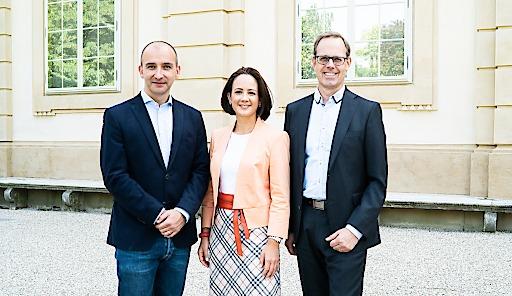 Haufe Group_KLAITON: Holger Schmelzer, Geschäftsführer der Haufe Akademie (rechts im Bild) wird neben Nikolaus Schmidt und Tina Deutsch dritter Geschäftsführer von KLAITON.