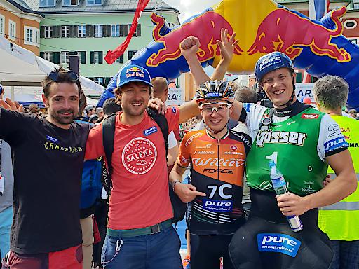 Platz zwei für das Team Pure Encapsulations: Philip Götsch, Aaron Durogati, Tony Longo und Gerhard Schmid