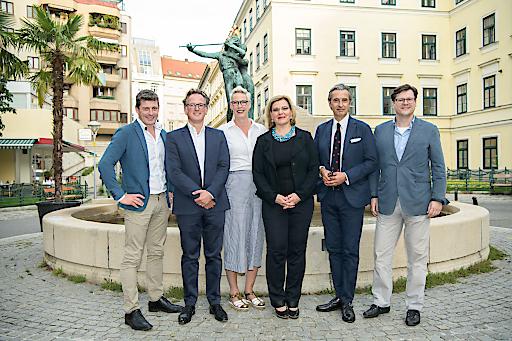 https://www.apa-fotoservice.at/galerie/14297/ Im Bild v.l.n.r.: Alexis Johann (GF Styria digital One), Michael Kosfeld (Keynote-Speaker), Sylke Nirk (COO FehrAdvice & Partners), Corinna Fehr (Präsidentin Vienna Behavioral Economics Network), Markus Gull (Präsident Julis-Raab-Stiftung), Jean-Rober Tyran (Vizerektor Universität Wien)