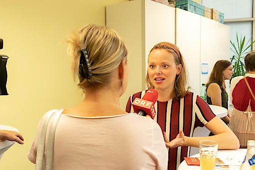 Botschafterin des Kinderhospiz Netz, Burgschauspielerin Marie Luise Stockinger, im Interview.