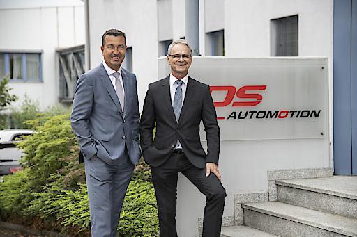 """""""Seit über 30 Jahren entwickelt DS AUTOMOTION Fahrerlose Transportsysteme gemäß den Leitsätzen der Industrie 4.0. Unserer ebenfalls bereits langjährigen Erfahrung mit dem Zukunftsthema Batteriemontage verdanken wir den größten Auftrag unserer Firmengeschichte."""""""