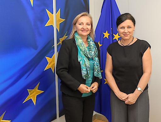 WKÖ-Vizepräsidentin und UEAPME-Präsidentin Ulrike Rabmer-Koller und EU-Kommissarin Věra Jourová in Brüssel