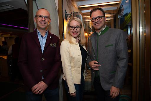 Michael Nossek (Geschäftsführung café+co), Margarete Schramböck (Wirtschaftsministerin), Fritz Kaltenegger (Sprecher der Geschäftsführung von café+co)