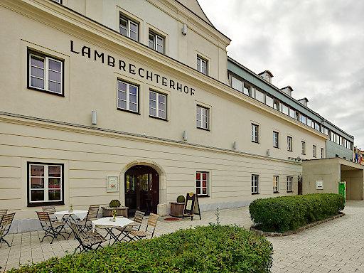 Naturparkhotel Lambrechterhof**** Außenansicht