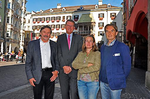 Gruppenfoto von der Pressekonferenz am 9.10.2018 in Innsbruck.