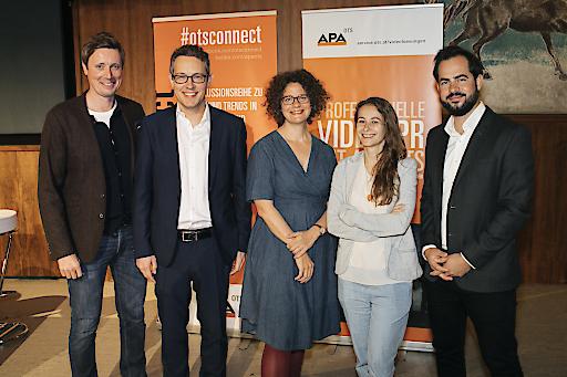 https://www.apa-fotoservice.at/galerie/15217 Im Bild von links nach rechts: Alexander Raffeiner (Moderation), Stefan Kern (APA-OTS), Ines Häufler (freischaffende Filmdramaturgin), Birgit Hajek (Digitalagentur Netural) und Paul Batruel (Videoredakteur, Kurier)