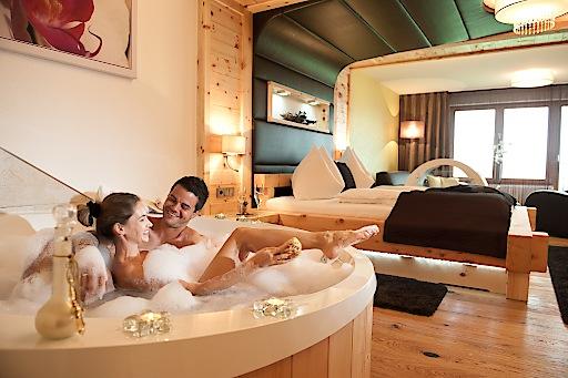 Kuschel- & Wellnesshotel Winzer in St. Georgen im Attergau, luxuriöse Romantik! Langjähriger Kunde auf www.Kuscheln-Romantik.com