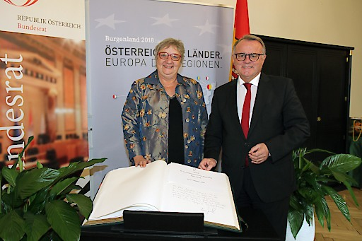Erklärung von Landeshauptmann Hans Niessl im Bundesrat - mit Bundesratspräsidentin Inge Posch-Gruska.