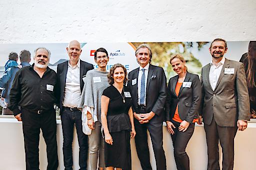 v.l.n.r.: Dr. Philip STREIT, Matthias HORX, Mag. Sandra TEML-JETTER, Mag. Doris LEPOLT, Prim. Univ.-Prof. Dr. Karl ZWIAUER, Design. Primaria Dr. Anna Maria CAVINI, Dr. Christopher MAYR