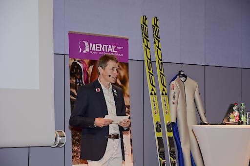 """Andreas Goldberger spricht in seinem Vortrag über die """"Lebensschule Spitzensport"""""""