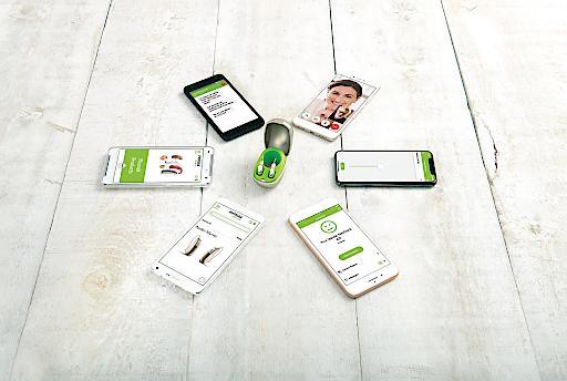 """Phonak Audéo M apps Weiterer Text über ots und www.presseportal.ch/de/nr/100001676 / Die Verwendung dieses Bildes ist für redaktionelle Zwecke honorarfrei. Veröffentlichung bitte unter Quellenangabe: """"obs/Phonak AG/NELSON MOUELLIC"""""""
