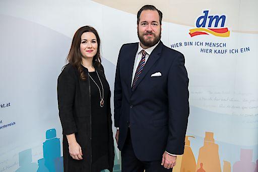 https://www.apa-fotoservice.at/galerie/15297 dm Geschäftsführerin Petra Gruber und Geschäftsführer Harald Bauer (Ressort Marketing & Einkauf).