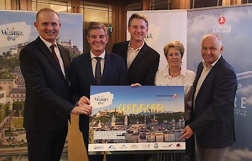 Hochrangige Vertreter der Salzburger Tourismusbranche in Singapur