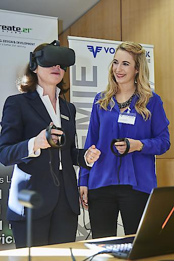 Präsentation des neuen Virtual-Reality-Coaching für Volksbank-Berater