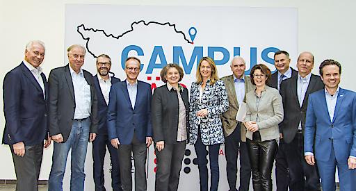 Das Kuratorium der FH Kärnten fungiert als wissenschaftlicher Beirat und hat die Aufgabe, die Hochschule bei der Weiterentwicklung und Evaluierung der Studienprogramme zu beraten.