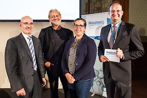 Im Bild (v. l.): Mag. Hanns Kratzer, Robert Riedl, Mag. Birgit Bernhard, Mag. Alexander Herzog