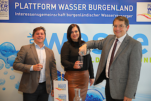 https://www.apa-fotoservice.at/galerie/16121 Im Bild v.l.n.r.: DI Dr. Roman Neunteufel (Universität für Bodenkultur), LRin Mag.a. Astrid Eisenkopf, DI Dr. Helmut Herlicska (Plattform Wasser Burgenland)