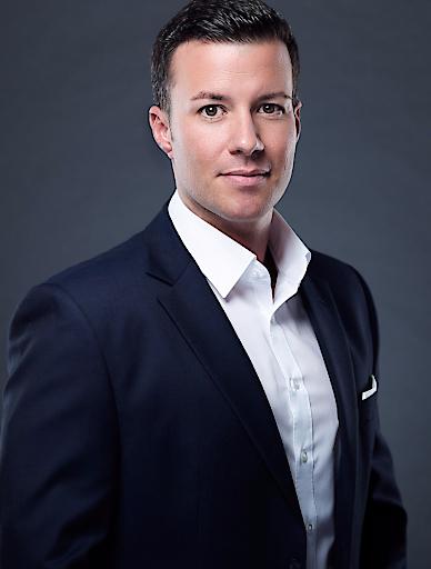 Michael Rochel, 36, hat am 1. Dezember 2018 die Position als Marketing-Leiter für Privatkunden (Senior Vice President Consumer Marketing) bei T-Mobile Austria übernommen. Er ist somit als Marketing-Bereichsleiter für den gesamten Privatkundenbereich von T-Mobile, UPC und tele.ring verantwortlich. Er berichtet in seiner Rolle direkt an den Geschäftsführer für Privatkunden Jan Willem Stapel.