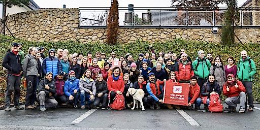 Riegersburg/Gölles: Guides und Partner aus 30 Nationen mit dem Weltweitwandern-Team