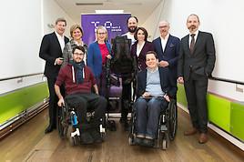Exoskelett – Erstmals bahnbrechende Therapie für Menschen mit Lähmung in Österreich