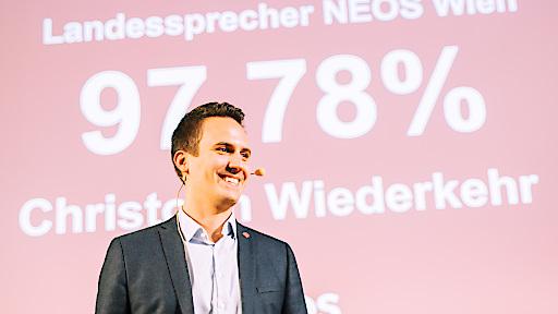 Christoph Wiederkehr nach seiner Wahl zum Landessprecher von NEOS Wien