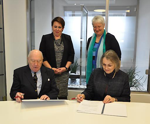 Austrian Standards schenkt Universität Wien Nachlass des Sprachwissenschafters und internationalen Standards-Experten Eugen Wüster