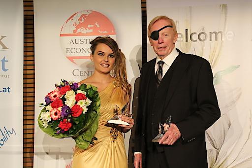 Preisträger Gloria Alvarez und Richard Rahn