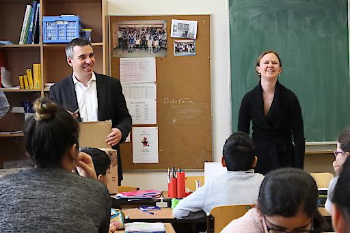Michael Zettel (CMD Accenture Österreich) unterrichtet im Rahmen von Teach for Austria.