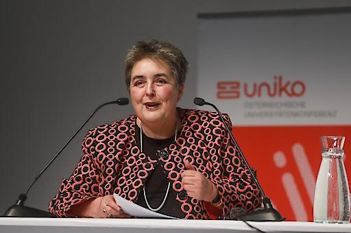 https://www.apa-fotoservice.at/galerie/17128 Wien. Rektorin Eva BLIMLINGER, Präsidentin der uniko, bei ihrer Rede zum Neujahrsempfang am Erste Campus in Wien.