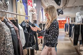 Launch auf #FASHIONTECH BERLIN: So geht Shopping im neuen bonprix Pilot Store - Eröffnung am 14. Februar in Hamburg (FOTO)